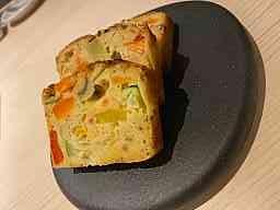 前菜の野菜のケーキ